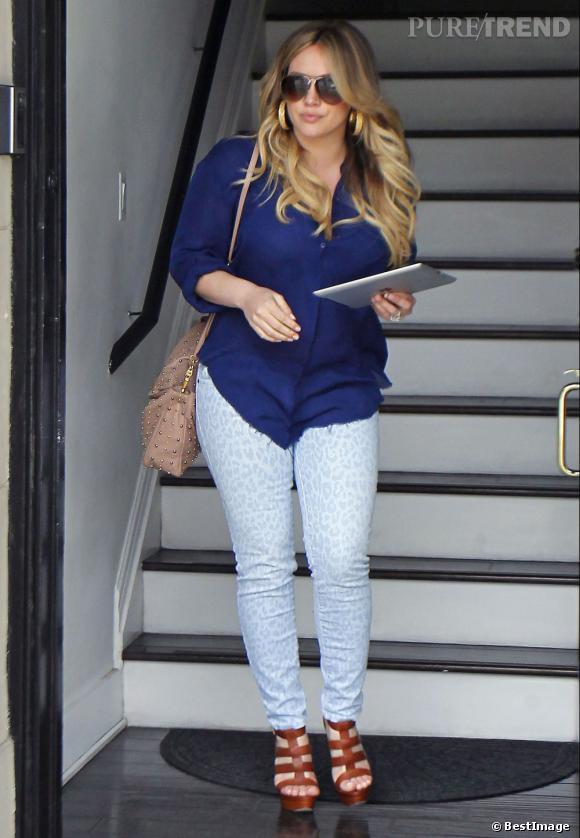 Hilary Duff première sortie depuis son accouchement à Los Angeles.
