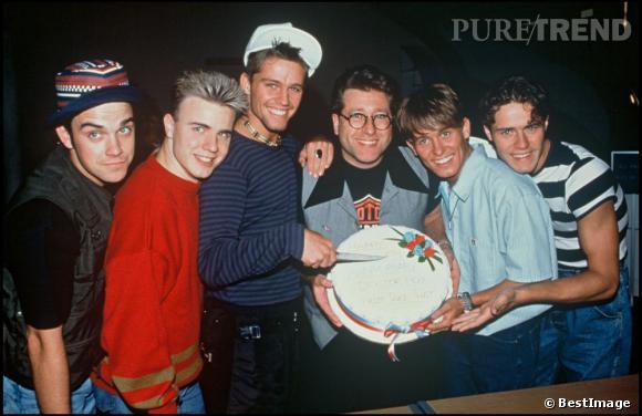 Si le succès est au rendez-vous pour le groupe, Robbie Williams a du mal à rentrer dans le rang et à jouer les playboys lisses.
