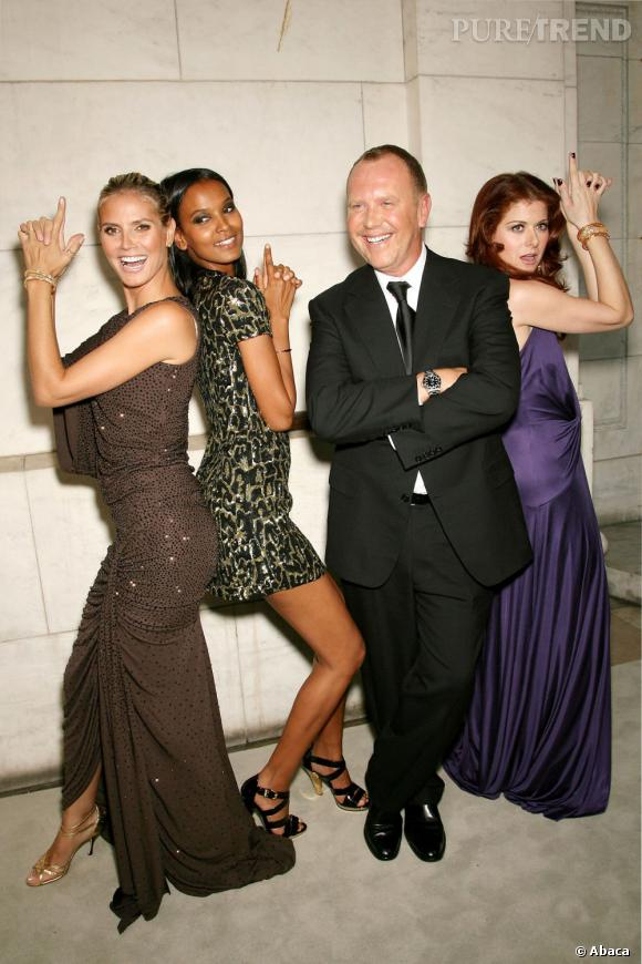 Liya Kebede se prête au jeu des James Bond girls avec Heidi Klum, Michael Kors et Debra Messing.