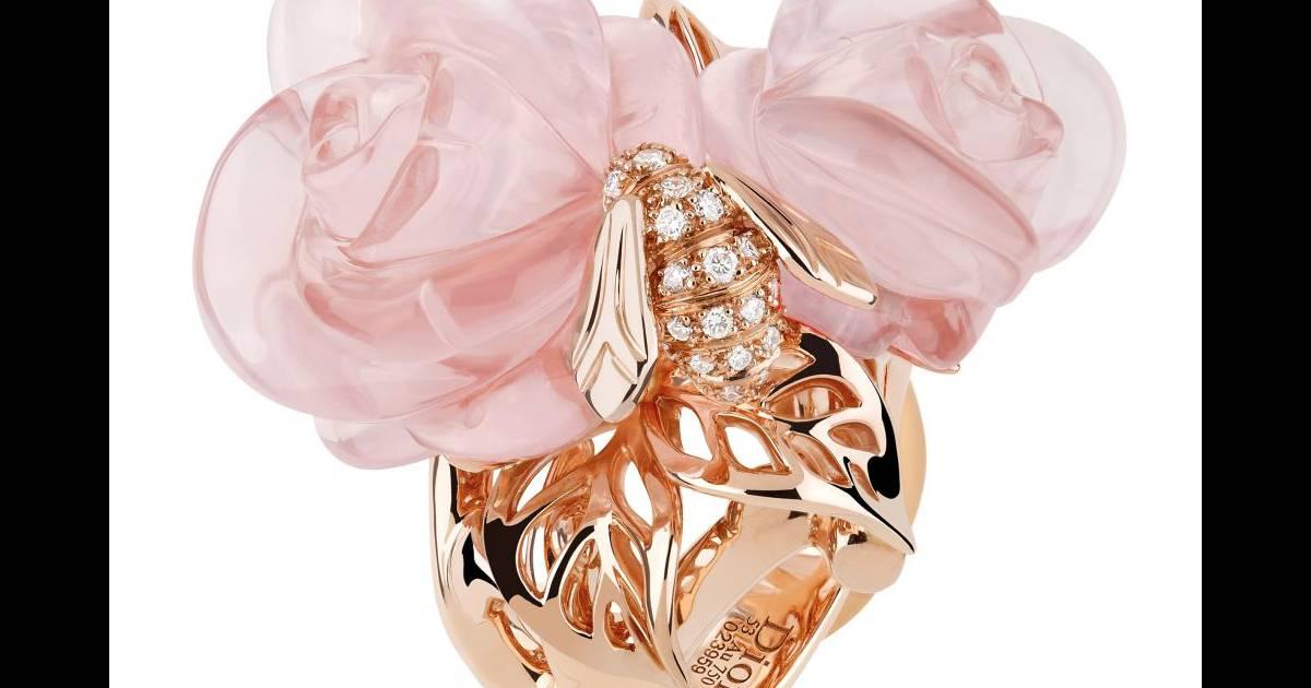 bague rose dior pr catelan dior joaillerie bague en or rose diamants et quartz prix sur. Black Bedroom Furniture Sets. Home Design Ideas