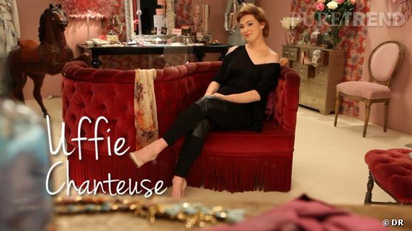 Uffie se prête au jeu pour Galliano Parfums.