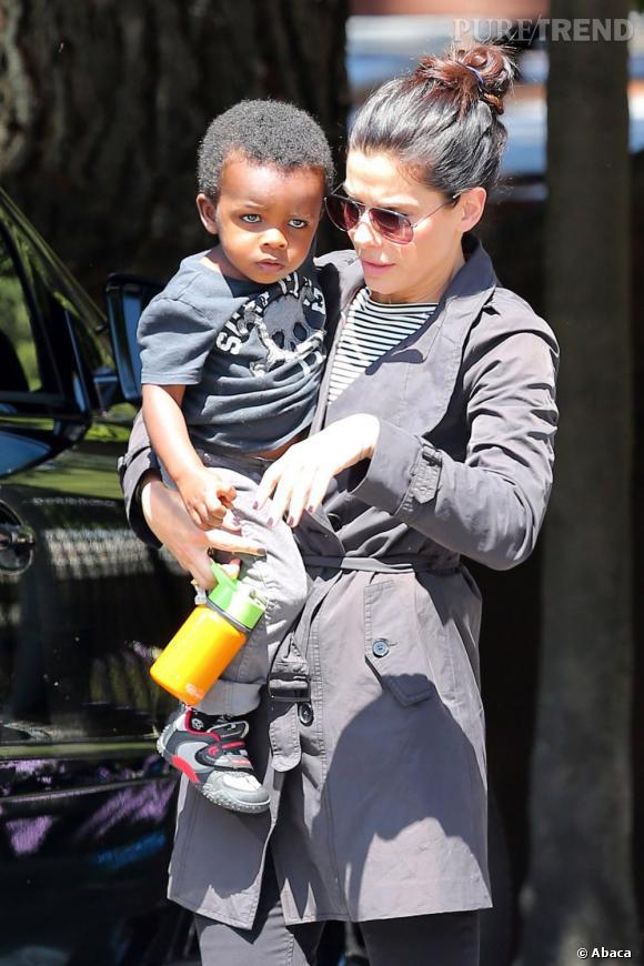 Sandra Bullock, une maman tout terrain.