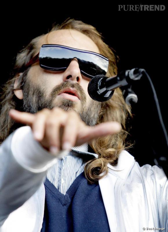Sebastien Tellier, sortira le 23 avril prochain son nouvel album, My God is Blue.