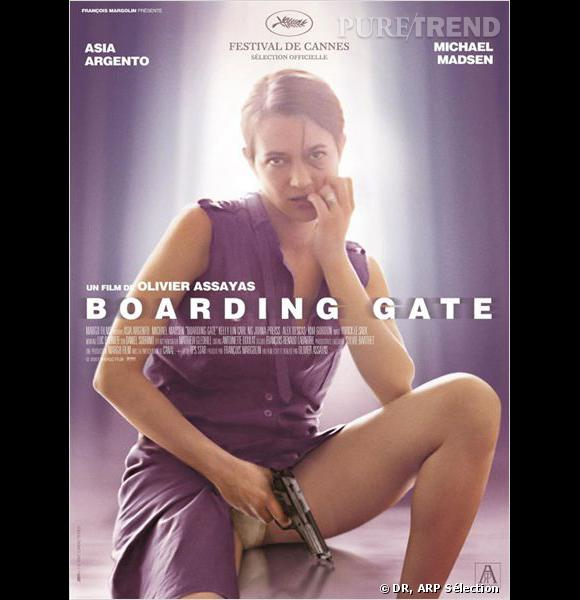 "Affiche du film ""Boarding Gate""."