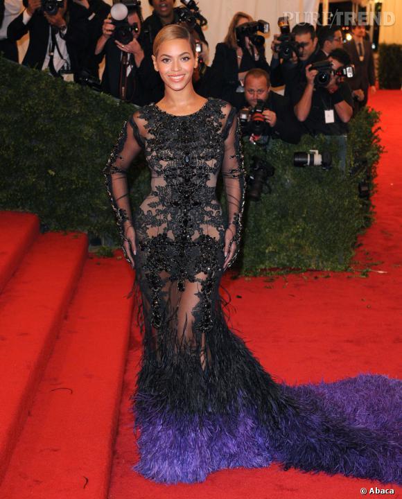 Beyoncé Knowles au MET Ball 2012 plus rayonnante que jamais lundi soir.
