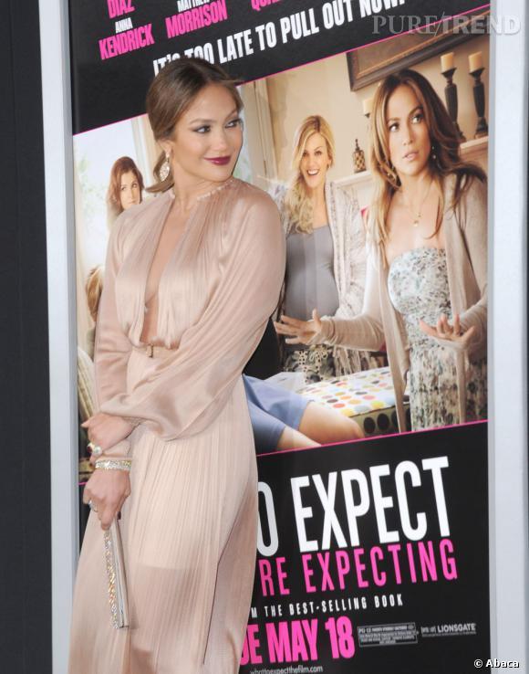 Jennifer Lopez plutôt fière de sa version papier.