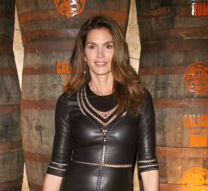 Cindy Crawford, jolie dominatrice