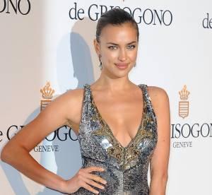 Irina Shayk, sexy métallique