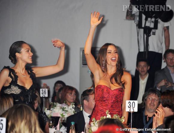 Jessica Alba et Sofia Vergara, complices et fêtardes pour la soirée Glamour Woman of The Year.