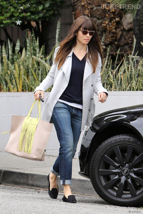 Jessica Biel dans les rues de Los Angeles.