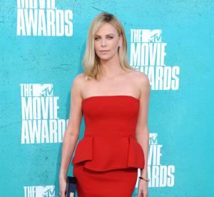 Charlize Theron vs Jamie Chung : la robe bustier à basque