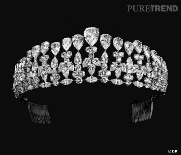 Diadème Burma       Diadème en argent, Burmalite blanc taille poire, ronde et marquise.       Prix : 17000€            www.bijouxburma.com