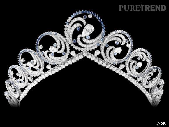 """Collier """"Océan"""", Van Cleef & Arpels       Ce collier, qui peut être porté en diadème, est une commande spéciale faite par le Prince Albert de Monaco pour Charlene Wittstock. Un cadeau royal, composé de 88 diamants taille brillant, 10 diamants taille poire et pas moins de 359 saphirs.        www.vancleefarpels.com"""