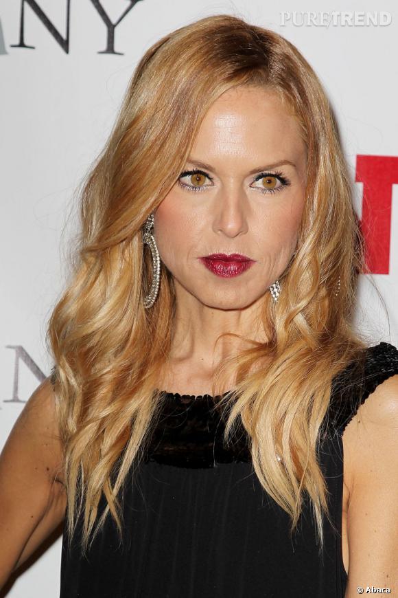 Rachel Zoe est LA styliste des stars... Elle doit donc aussi suivre les tendances côtés beauty look. Pari réussi !