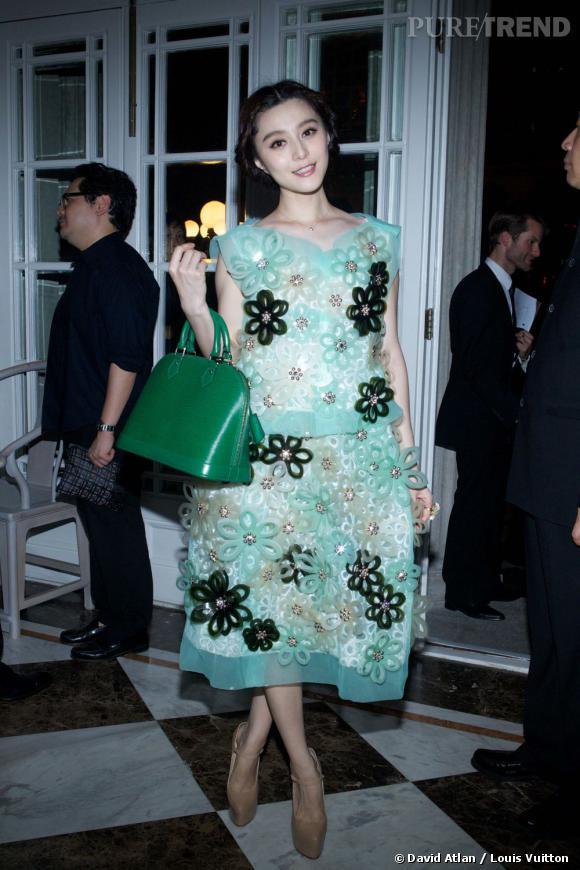 La plus audacieuse de la soirée est Fan BingBing qui n'hésite pas à porter une robe féerique de la collection Printemps-Eté 2012.