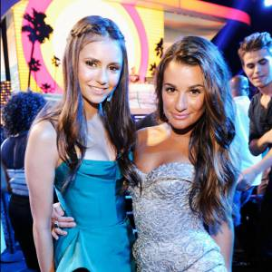 Nina Dobrev et Lea Michele lors des Teen Choice Awards 2012 à Los Angeles.