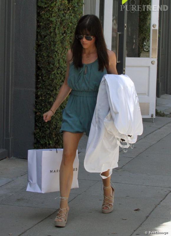 Selma Blair à la sortie de sa virée shopping chez Marc Jacobs, le 30 juillet dernier à Los Angeles.