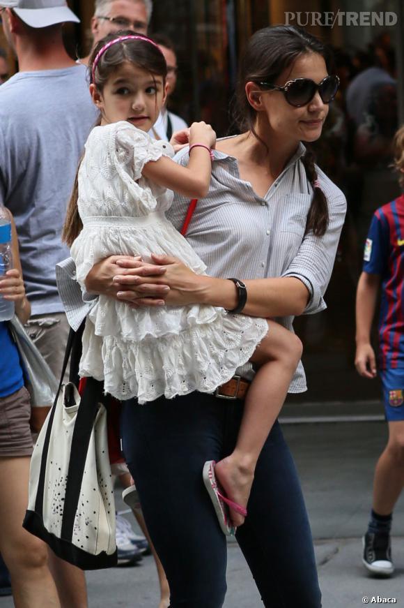 Suri Cruise et sa mère, Katie Holmes, dans les rues de New York le 6 août dernier.