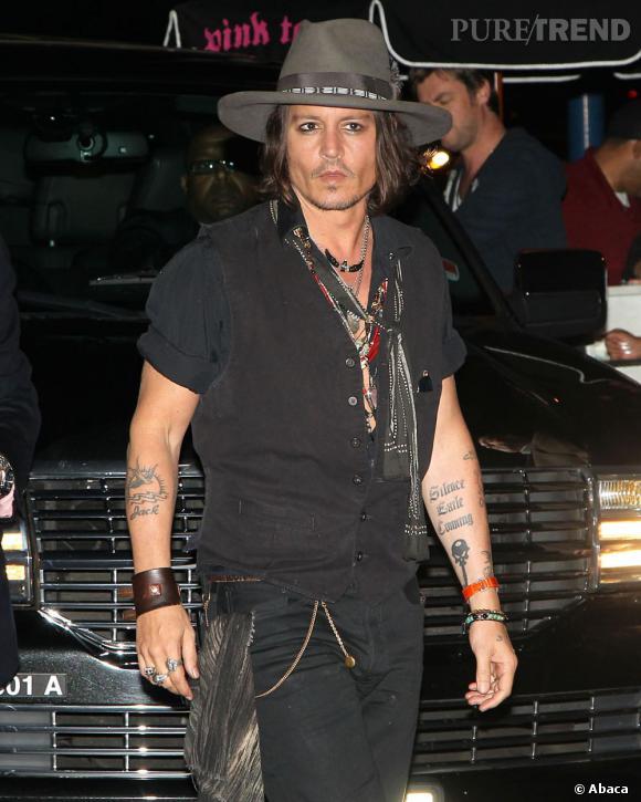 Pour sa première apparition officielle depuis sa rupture avec Vanessa Paradis, Johnny Depp monte sur scène avec Aerosmith à Los Angeles.