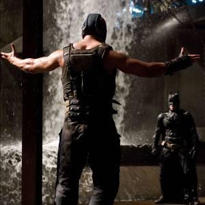 Les origines du masque de Bane, vital au méchant, auraient également dû être plus approfondies