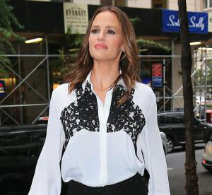 Jennifer Garner : 1 tournée promo en 4 looks pour son come-back fashion