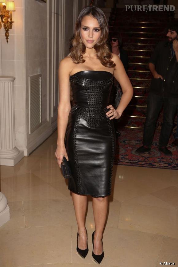 Jessica Alba n'a jamais été aussi belle qu'en brune.