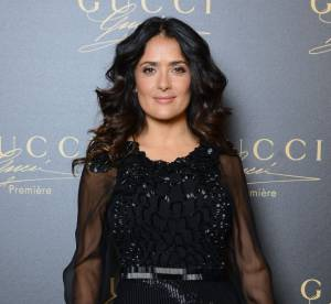 Salma Hayek vs le podium : l'ensemble gothique chic Gucci