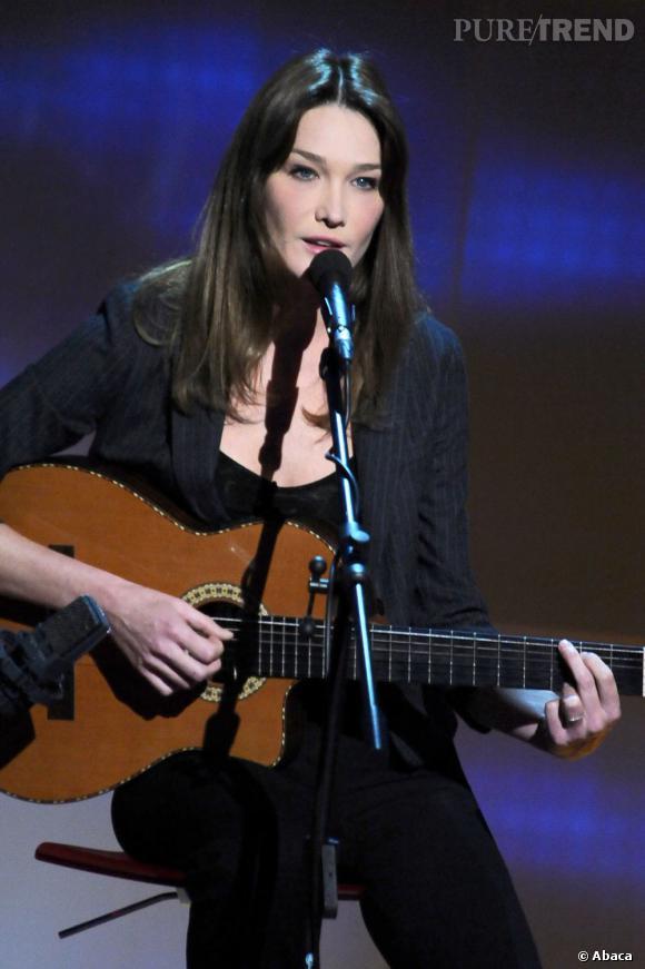 Carla Bruni fera son grand retour à la chanson en participant à l'émission Hier Encore diffusé en prime time sur France 2 le 29 septembre.
