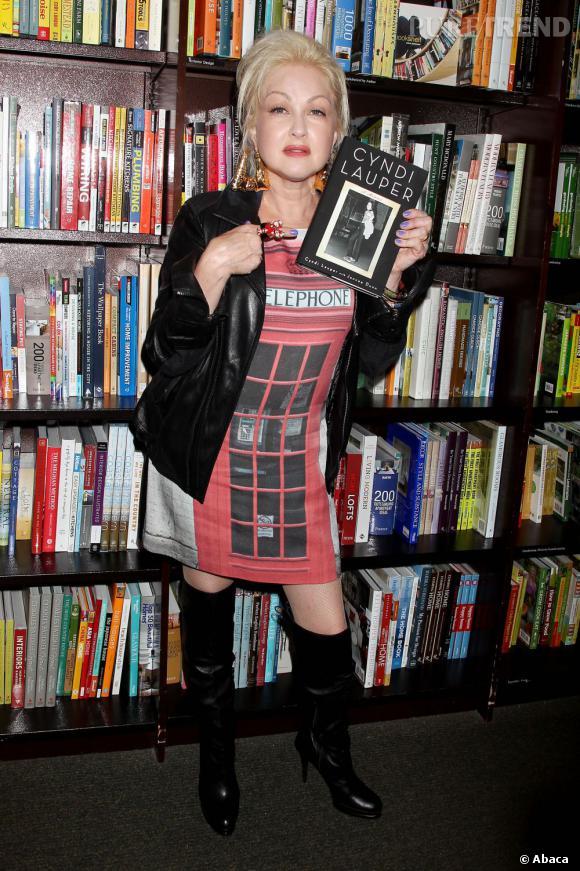 Cyndi Lauper nous fait du grand n'importe quoi et c'est loin d'être fun.
