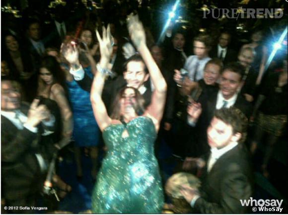 Sofia Vergara sait faire la fête ! Mais on a peur pour sa robe...