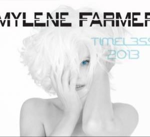 Mylène Farmer abandonne sa fameuse couleur rousse pour du blanc à l'occasion de son nouvel album Monkey Me et sa tournée Timeless.