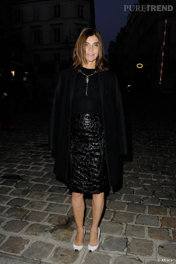 Carine Roitfeld, total look noir chez Lanvin.