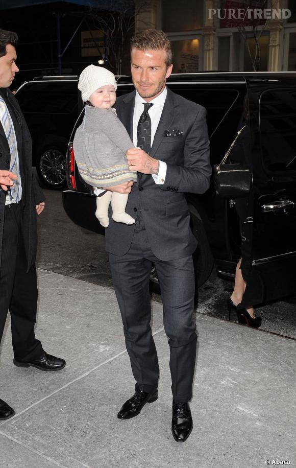 David Beckham retrouve le sourire avec Harper à son bras.