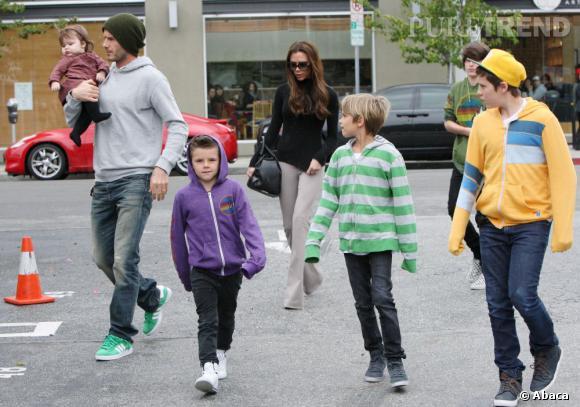 David Beckham, sa fille Harper, ses trois fils et sa femme Victoria à la traine...