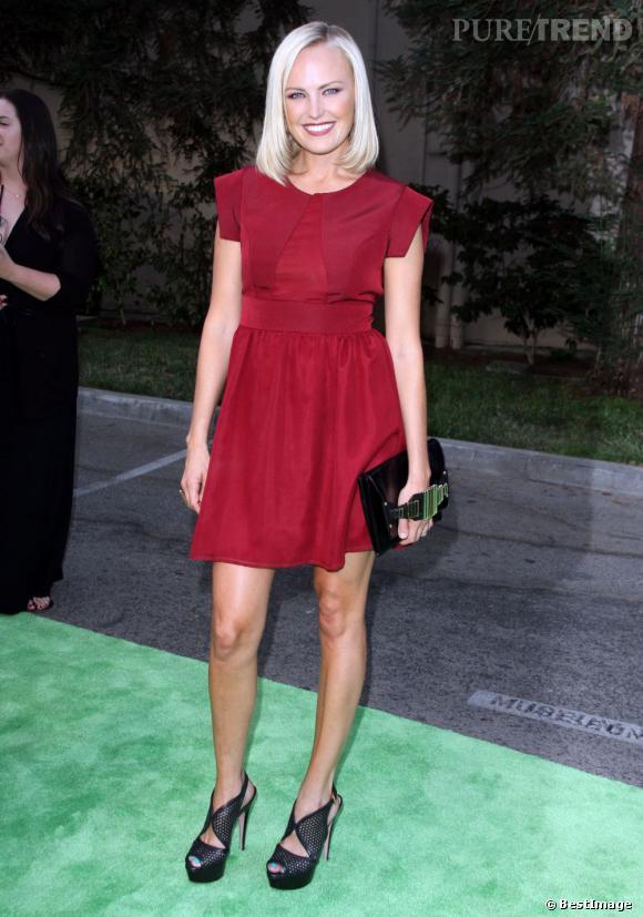 Une supebe apparition pour l'actrice dans une robe Alexx Je & Milk juste après l'annonce de sa grossesse.