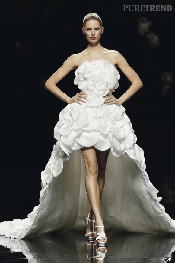 Les plus belles robes de mariée 2013 :    Collection Pronovias by Manuel Mota  2013       Robe Vosgos