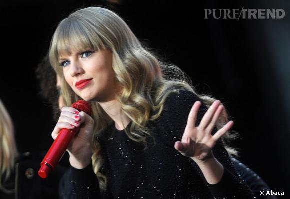 """Taylor Swift, une fois célèbre, a de nouveau rencontré ces bourreaux, qui lui demandaient des autographes ! """"C'était étrange et je me suis rendue compte qu'ils ne se souvenaient même pas avoir été méchants avec moi !"""""""