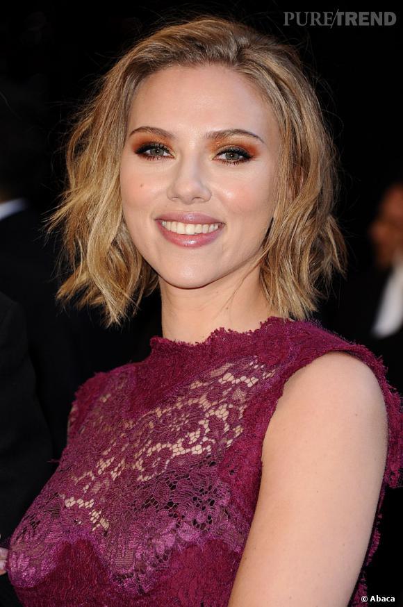 Scarlett Johansson mise sur le cuivre vibrant et intense !