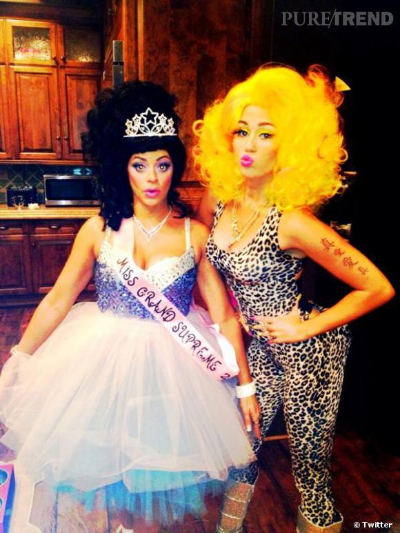 Pour Halloween, Miley Cyrus se déguise en Nicki Minaj !