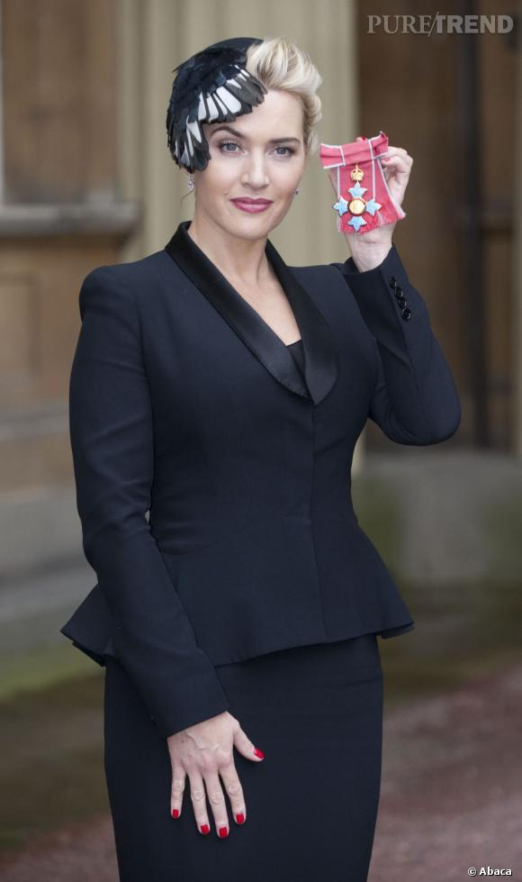 Kate Winslet copie Kate Middleton et se coiffe d'un bibi.