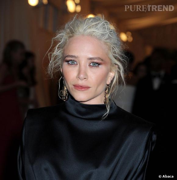 Mary-Kate Olsen a dû oublier de se regarder dans une glace avant de sortir...