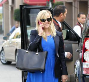 Reese Witherspoon, jeune maman tendance... A shopper !