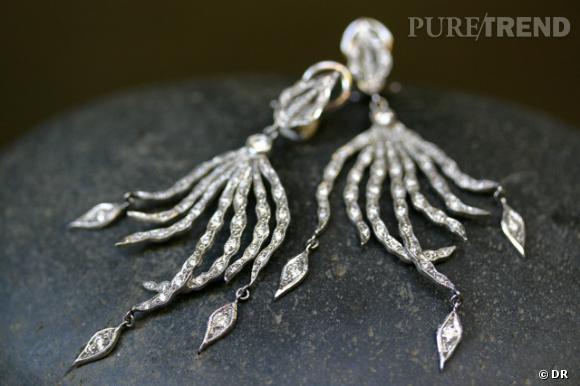 Pendants d'oreilles en platine et diamants.