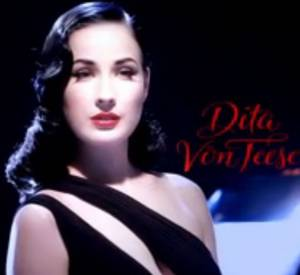 Le making-of du premier photoshoot de Dita Von Teese pour Le Parfum.