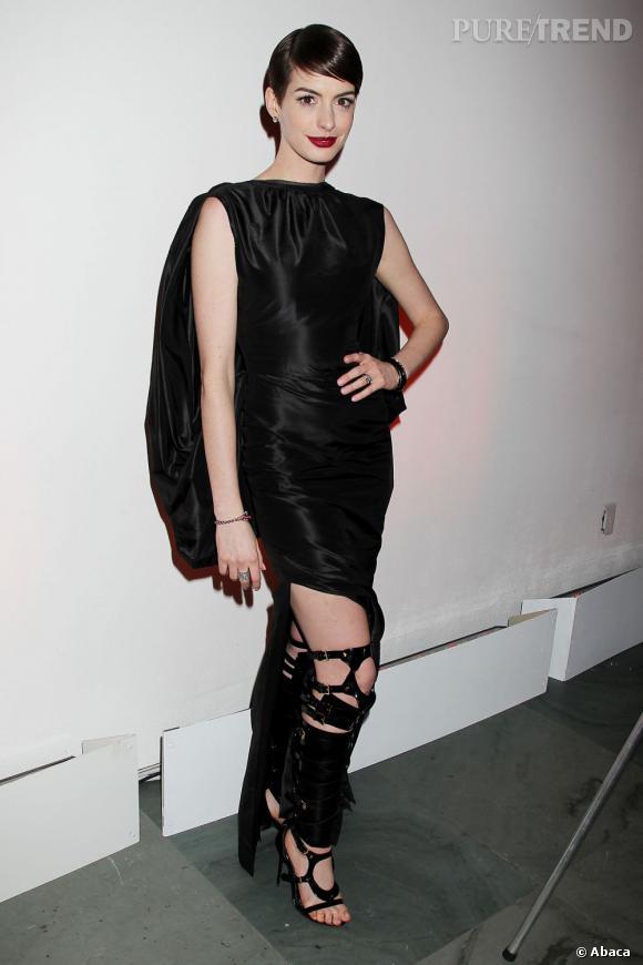 Anne Hathaway et la robe du scandale.