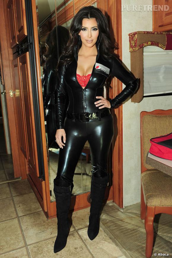 Kim Kardashian va devoir mettre au placard les combinaisons de cuir.