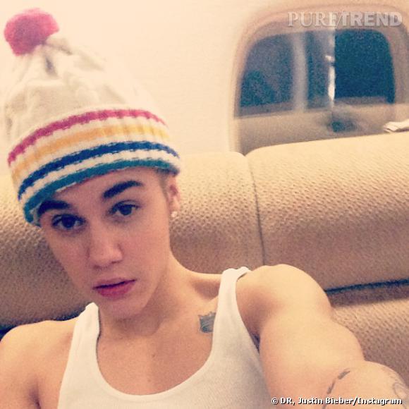 Justin Bieber adore montrer ses tatouages à ses fans.