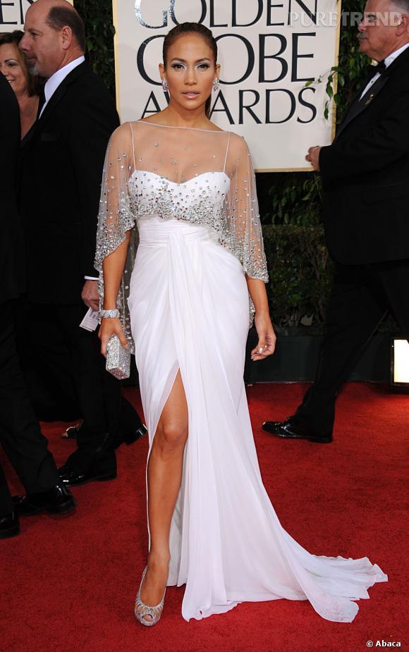 Jennifer Lopez mise sur une robe fendue et des paillettes pour les 68ème Golden Globe.