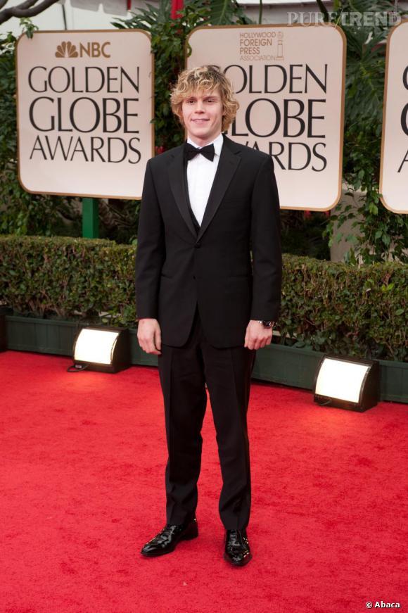 Lors des Golden Globes en 2012, il nous prouve qu'il peut aussi être séduisant en costume et noeud papillon.