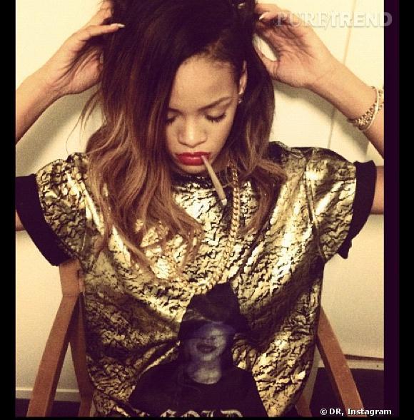 Rihanna fume un joint sur Instagram.